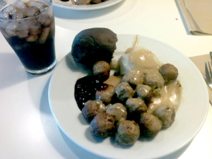 They may not look it on this cell-phone photo, but these meatball are sinfully good.